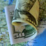 Мир отвернулся от всемогущего доллара