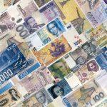 Валюты 7 стран мира на грани обвала, но не у Казахстана — эксперты из Японии