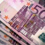 В Казахстане резко вырос спрос на евро